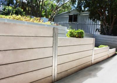 Ridgi Smooth Grey Concrete Sleepers & Galvanised Steel Posts