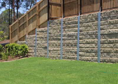 Sandstone Effect Concrete Sleepers and Galvanised Steel Posts with Fence Brackets (Augustine)