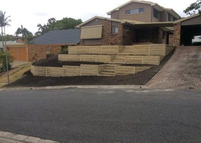 Sandstone Effect Concrete Sleepers and Galvanised Steel Posts 1