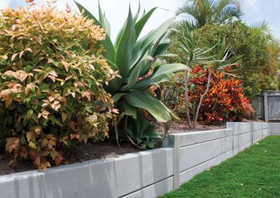 PIONEER Smooth Grey Concrete Sleepers & Galvanised Steel Posts