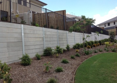 Smooth Grey Concrete Sleepers and Galvanised Steel Posts (Springfield 1)